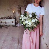 Pokud plánujete svatbu v Beskydech, tak určitě sledujte skvělou @sweetchicsvatba 💕 my jsme měli možnost spolupracovat na tomto krásném editorialu: Kvetiny @kvetinydopuntiku Fotografka @terezaheinichphoto Dekor @sweetchicsvatba Inventář @eterle Sladký bar @cupcakesveronika #svatba #svatebni #druzicky #svatebnihost #svatebnikytice #druzicka #sukneprodruzicky #satyprodruzicky #druzickovskesaty
