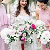 Nadherná květinová výzdoba dotažena do posledního detailu? To byla svatba Adélky a Colina ❤️ díky @bajecnasvatba @mat_flowers.cz 📸 @katkakoncal #svatba #nevesta #druzicky #svatebnikvetiny #satyprodruzicky #svatebnisaty #svatebni