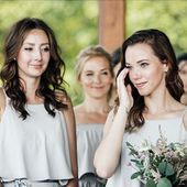 Jedinečnost okamžiku, slzy štěstí a dojetí, moment, který se vám vryje do srdce ❤️ svatba Sandry @madeinprg, její ségra a družičky ❤️ #svatba #nevesta #druzicky #satyprodruzicky #svatebni #tymnevesty #bridegang #bridegoals
