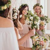 Hlavní svatební sézona spolu s létem za nedlouho zvedne kotvy. Nejvyšší čas si užít ještě poslední oslavy lásky na plno ❤️ samozřejmě s družičkama ✌️💃🏼 #svatba #svatebni #druzicky #satyprodruzicky #druzicka #svatebnihost #svatebnikytice #svatba2019 #svatba2020